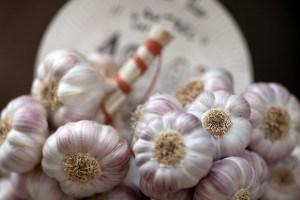 Knoflook | Marktfotografie voor FoodBlaBla | styling en koken door Jacqueline Sluijter | fotografie door Sander