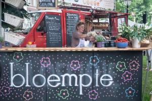 Bloempie Impressie van het evenement Food Truck Festival TREK Utrecht 7-6-2014 | alle foto's ©Foodblabla