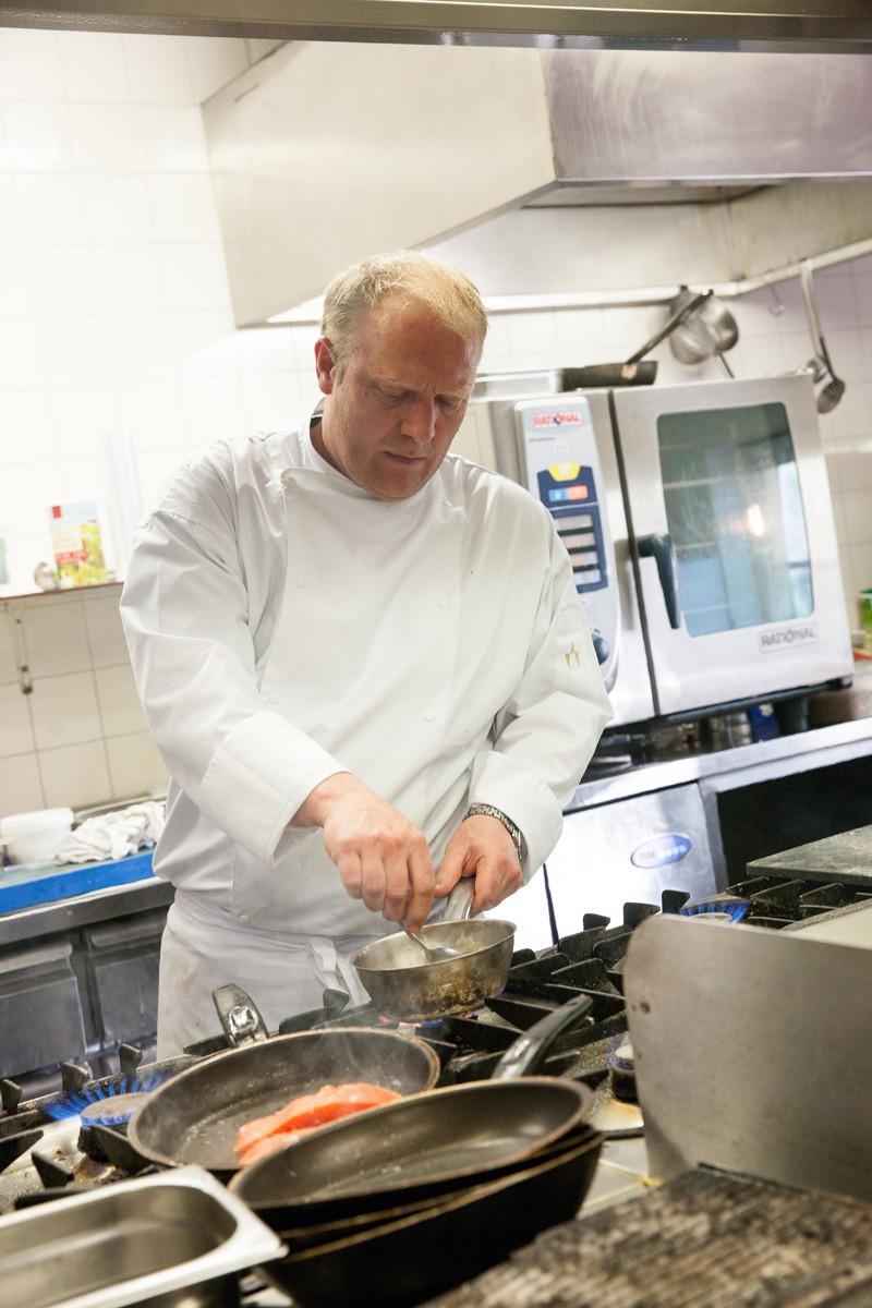 Tobias Haagmsa, chek kok en mede-eigenaar Brasserie de Boerderij