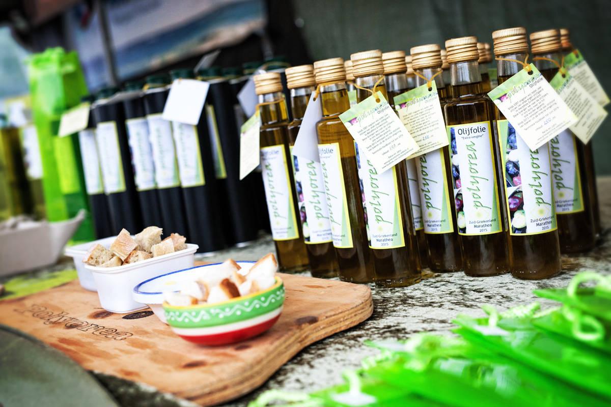Griekseolijfolie op zusje van de sonsbeekmarkt 31 mei 2015