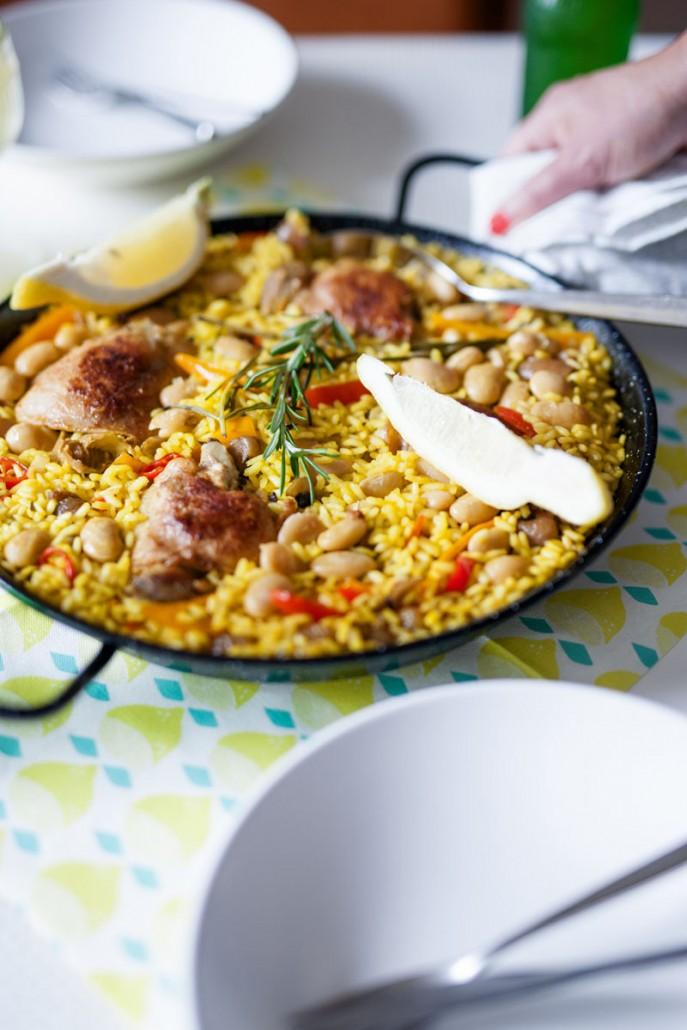paella met kip en witte bonen