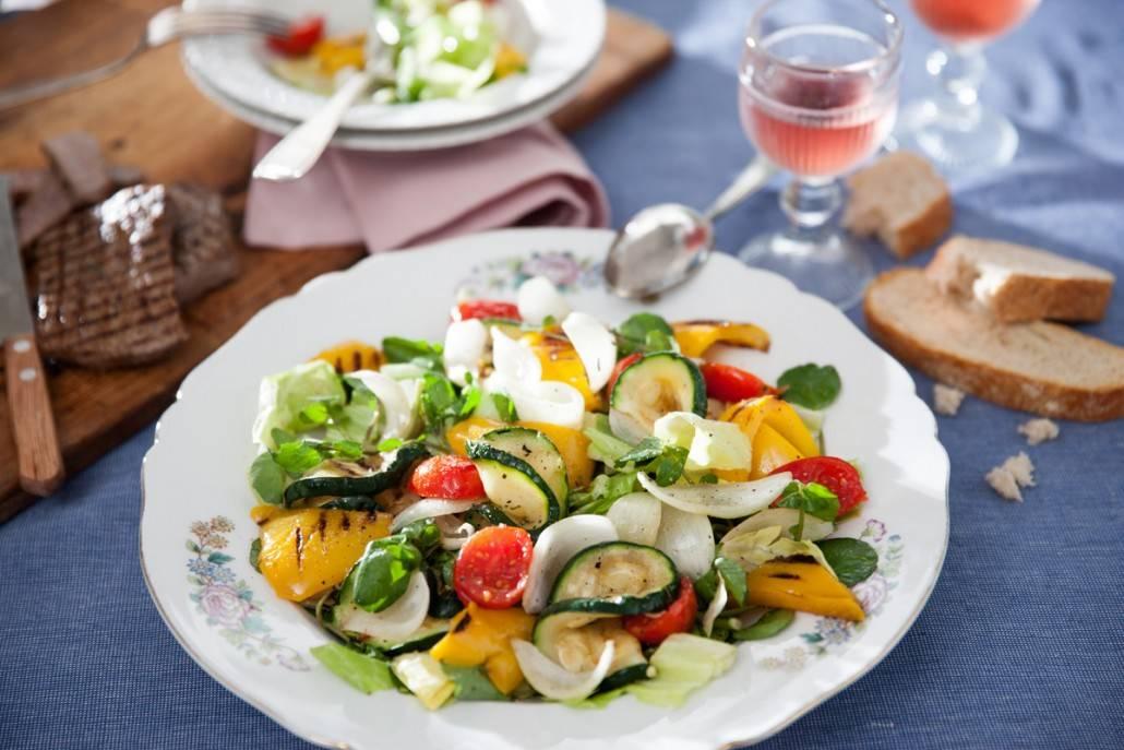 Groenlof salade met gegrilde groenten