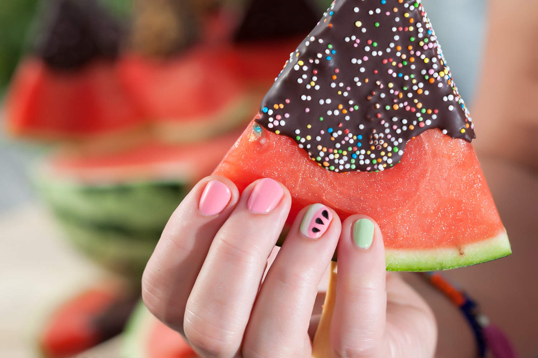 watermeloen met chocodip en ZENS Naildesign
