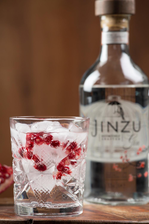Gin tonic met granaatappel jinzu gin 4