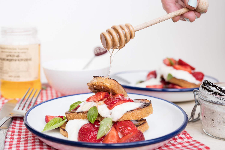 Wentelteefjes met aardbeien en yoghurt