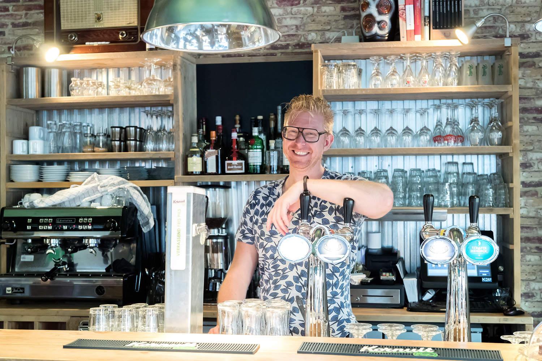 Tom Niels, Helder Eetcafe