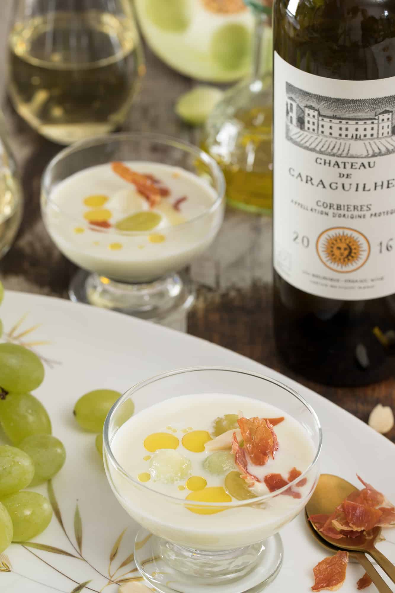 Witte Gazpacho met chateau caraguilhes by the grape