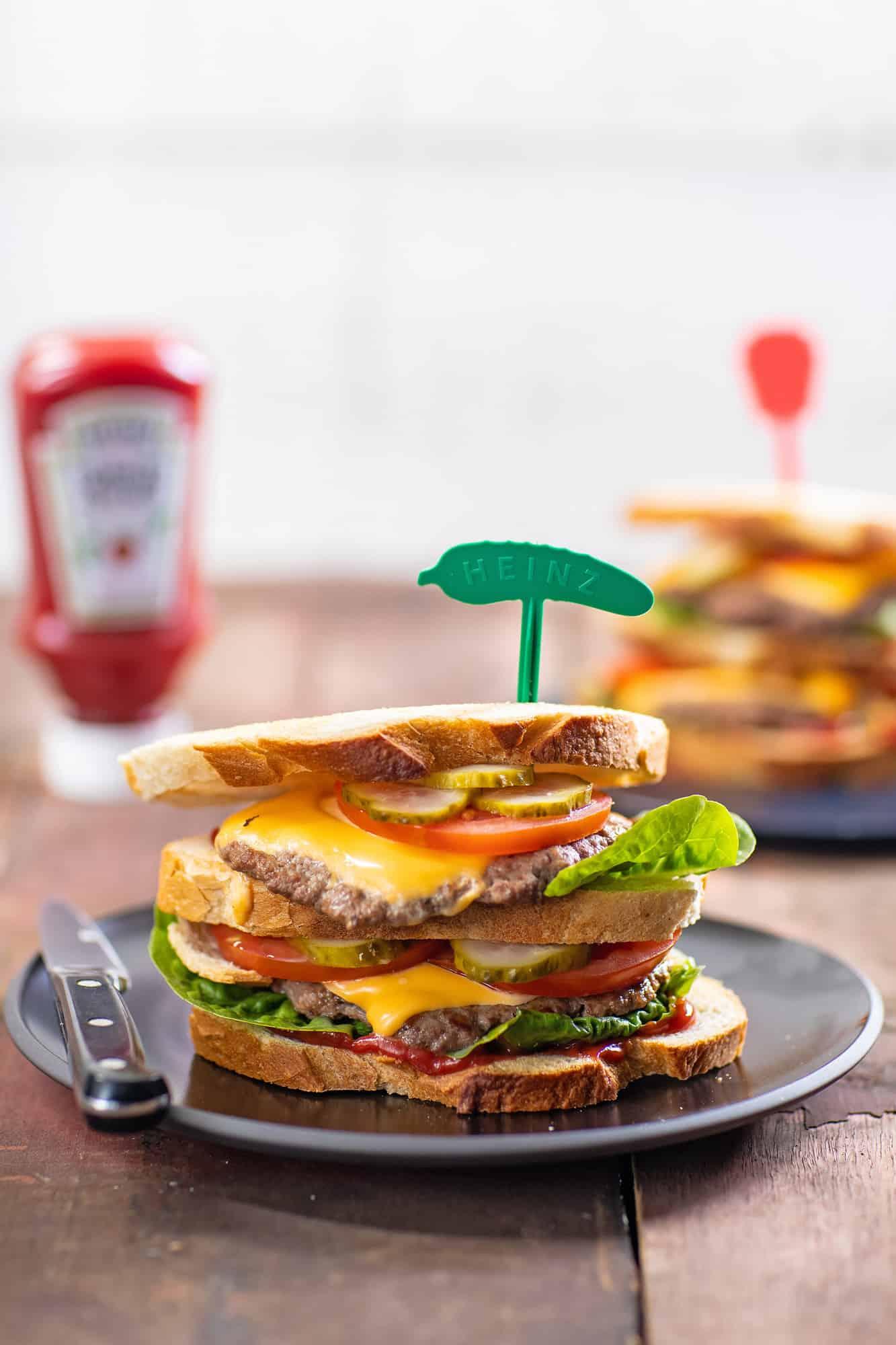 dubbele burger sandwich