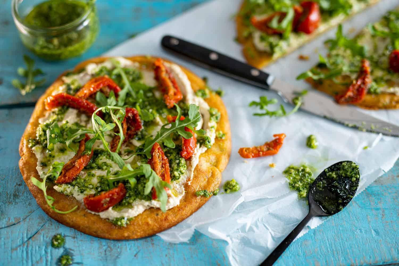 socca pizza met zongedroogde tomaten