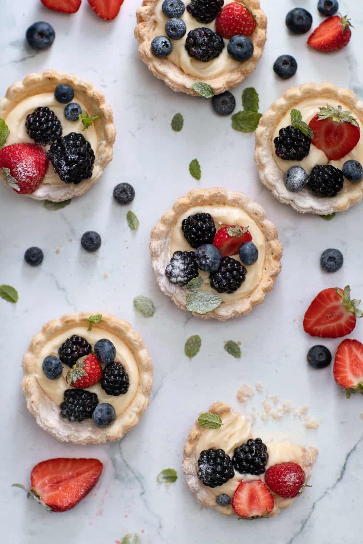 Fris zomergebakje met fruit