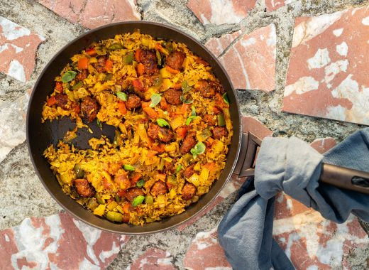 Snelle pan paella met chorizo